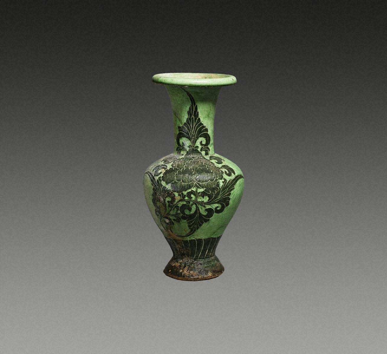 綠釉黑花 牡丹紋 瓶