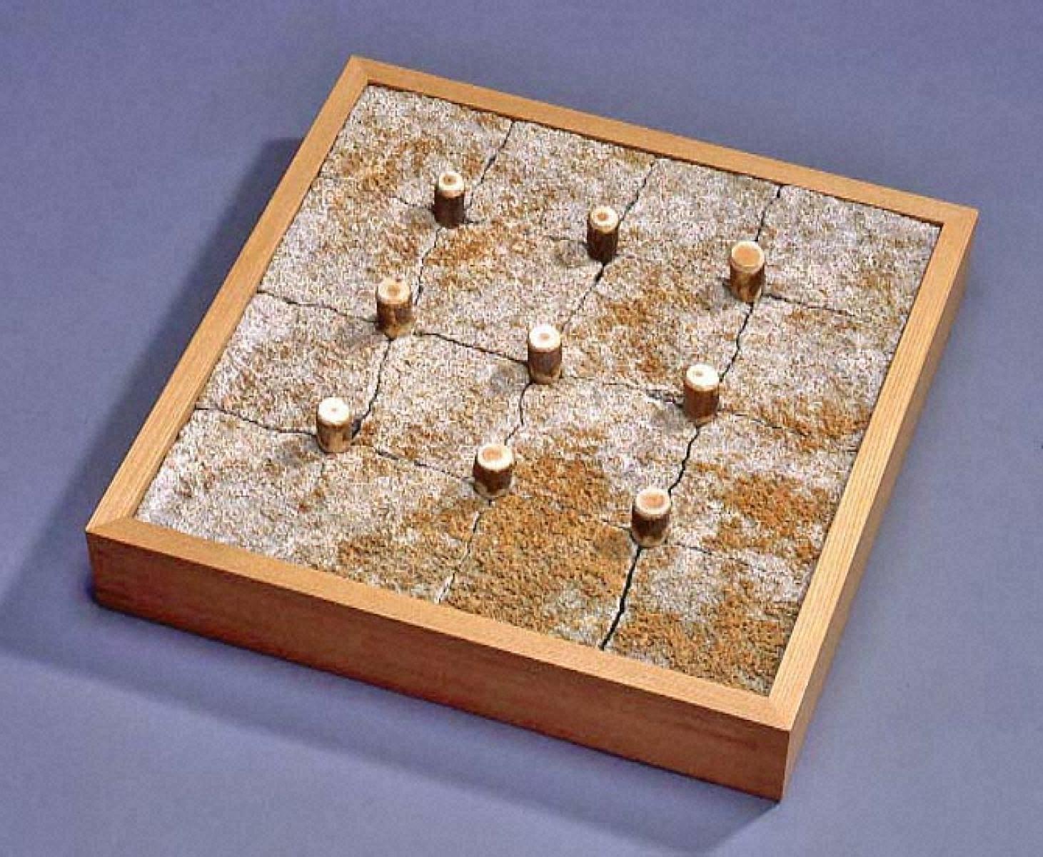 九本の杭による正方形