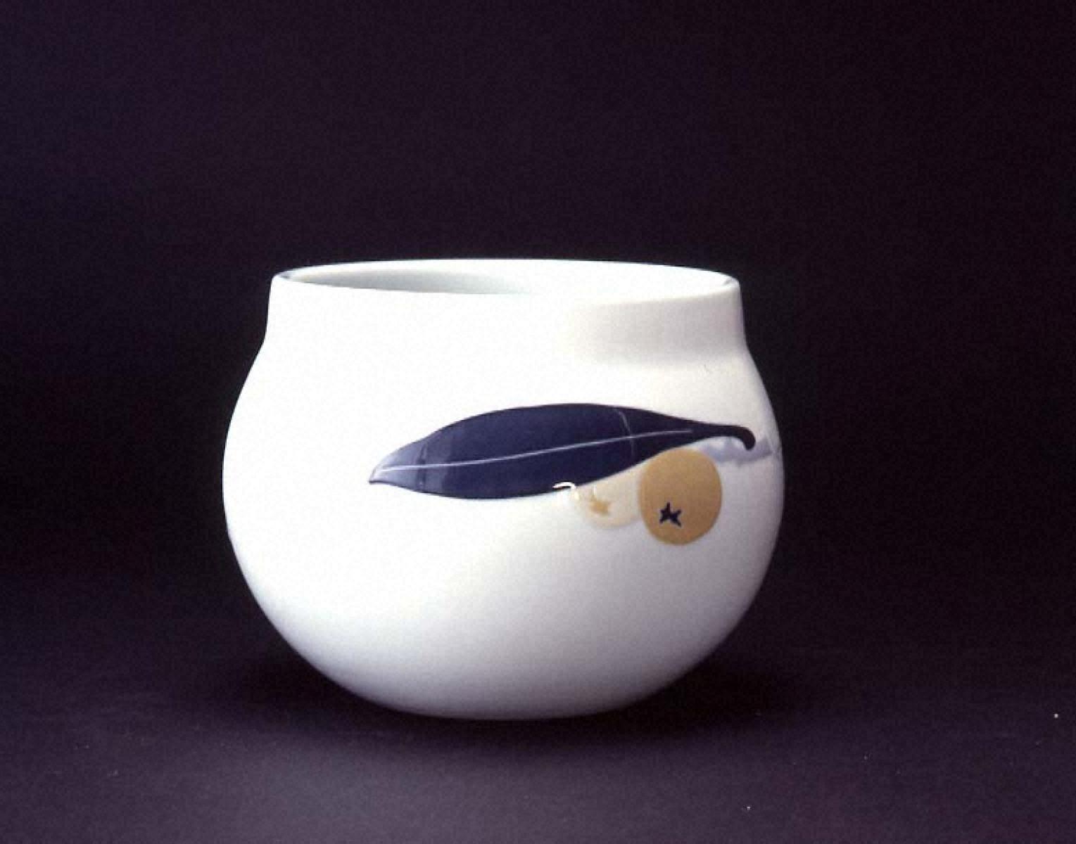 彩埏枇杷文花瓶