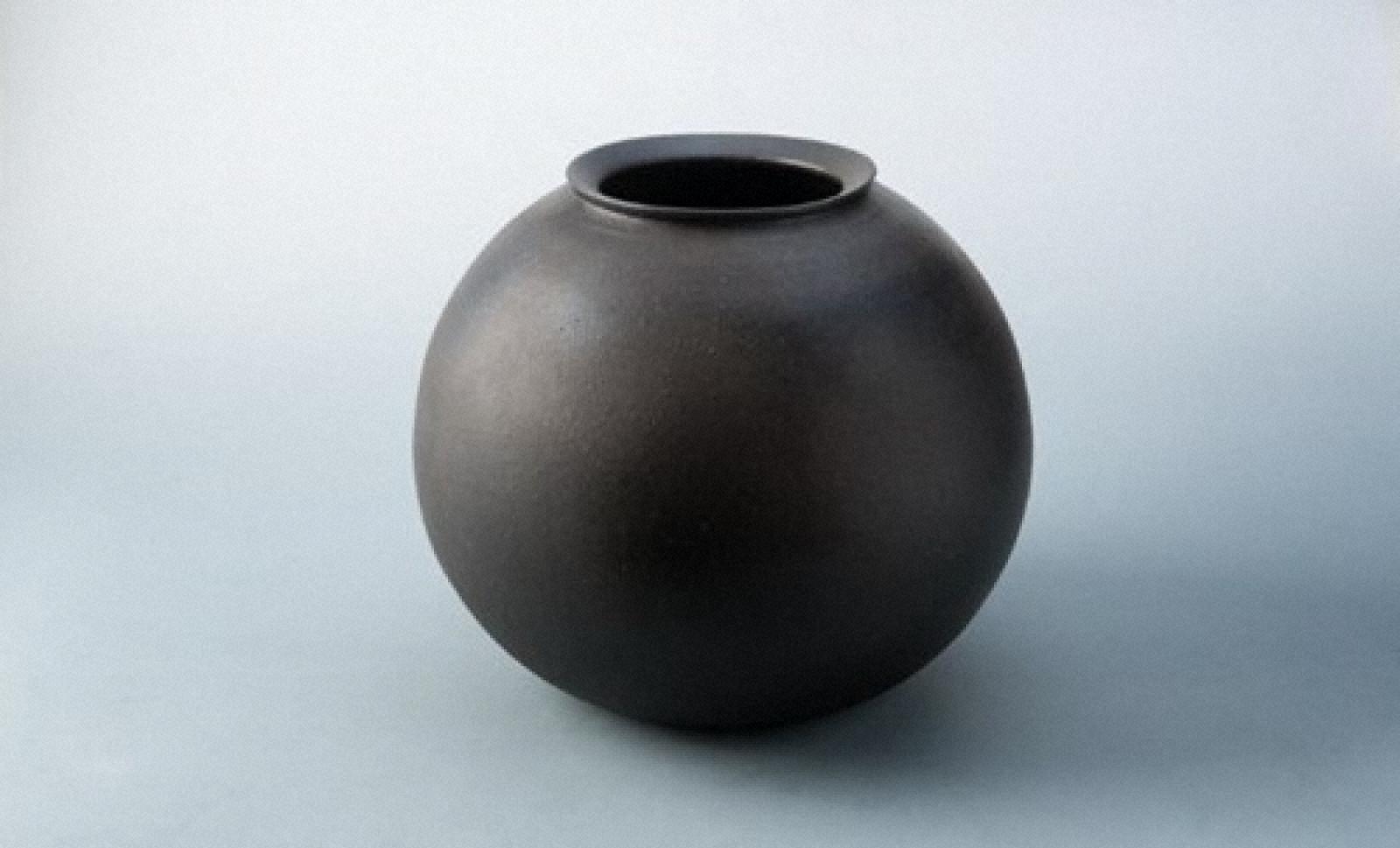 炭化焼締壺