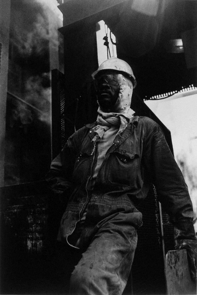 戦場から人間へ―長倉洋海18年の軌跡 労働者