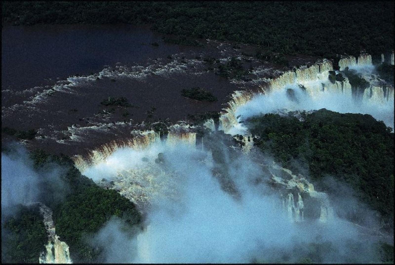 奇跡の惑星・地球 イグアスの滝、ブラジル