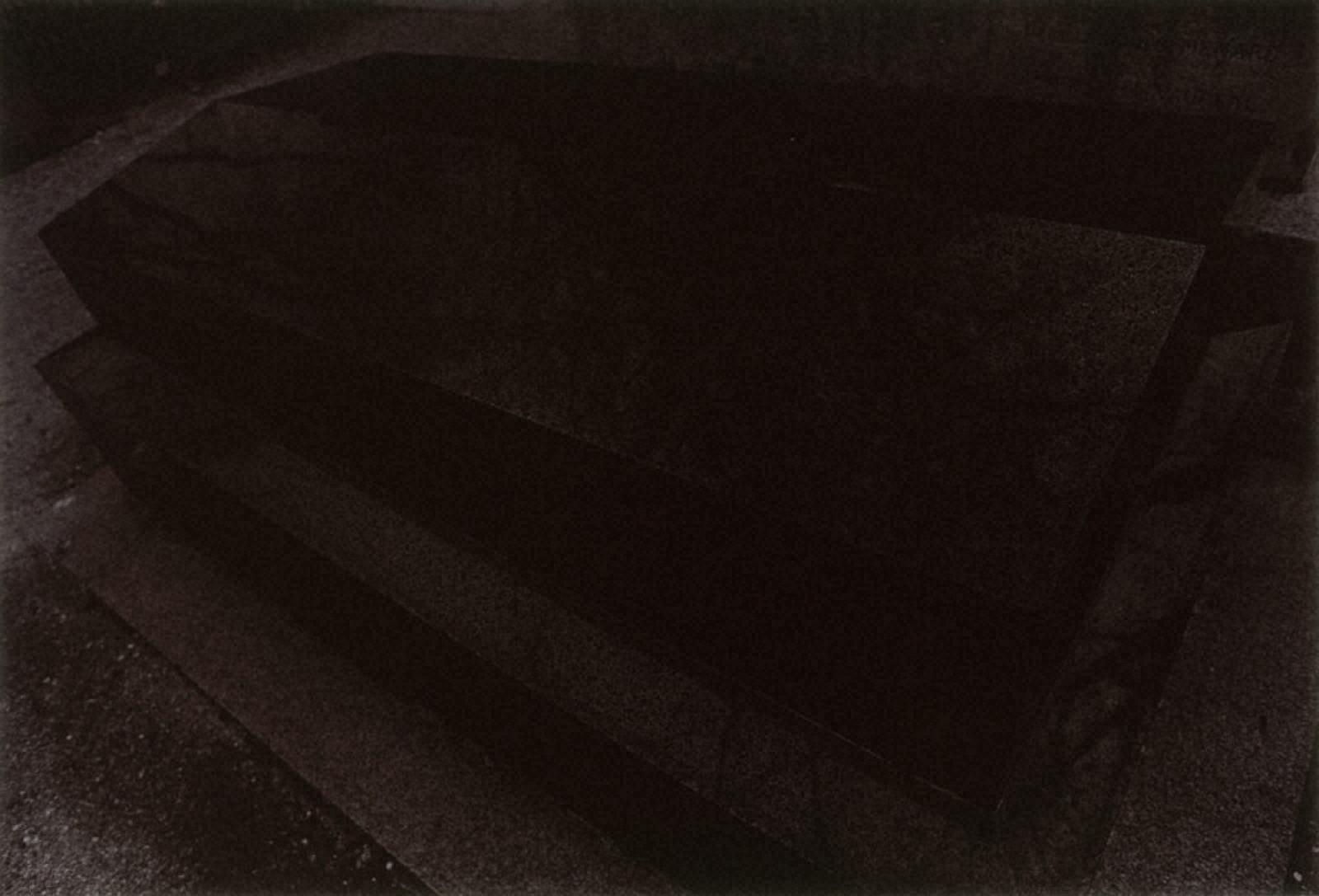 [Jun SHIRAOKA Photographs 1970-1998]フランス、パリ(モンマルトル墓地)、1973年2月