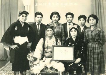 玉城村青年祭出演記念(47111.jpg)
