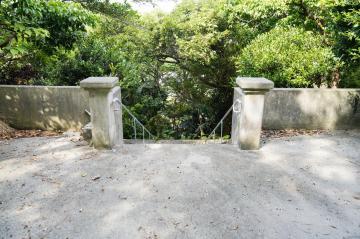 大次門中墓の前(47261.jpg)