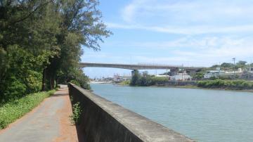 堀川の風景(47760.jpg)