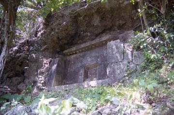 八幡加那志の墓(9473.jpg)